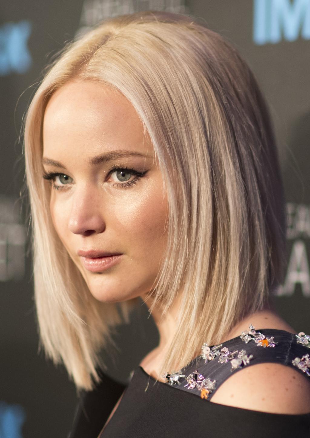 'Passengers' Film Updates: Director Praises Jennifer ...