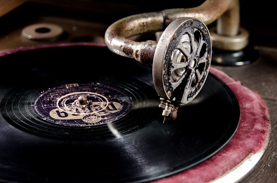 Sony Wants To Cash In On $1B Nostalgia Craze With New Vinyl Records - EconoTimes