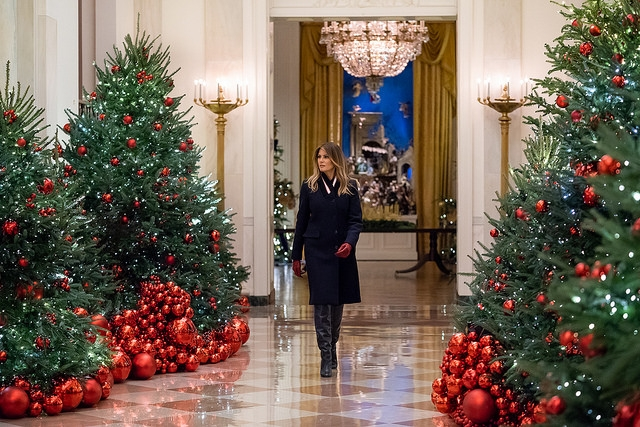 Melania Trump 2018 Has The Flotus Edited Official Christmas Cards