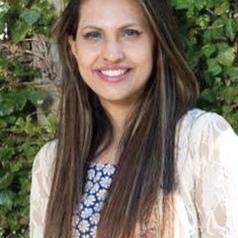 Dr Annie Waqar