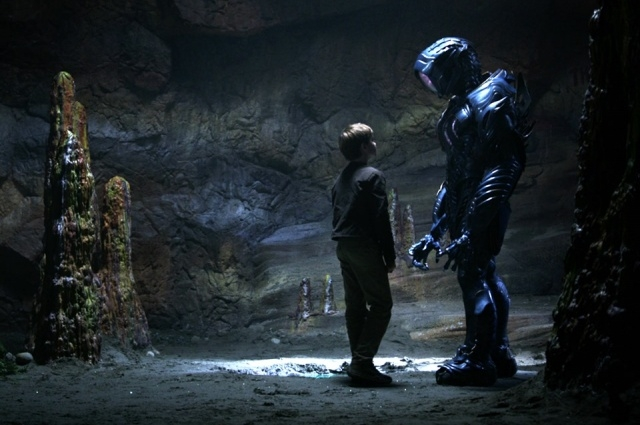 Lost In Space' season 2: Max Jenkins hinted The Robot will be back ...