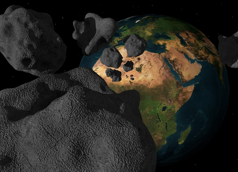 Asteroids: Footage reveals a space rock seen exploding over England - EconoTimes