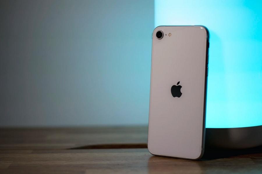 iPhone SE 3 release date, specs: Sub6 5G, dual rear camera ...