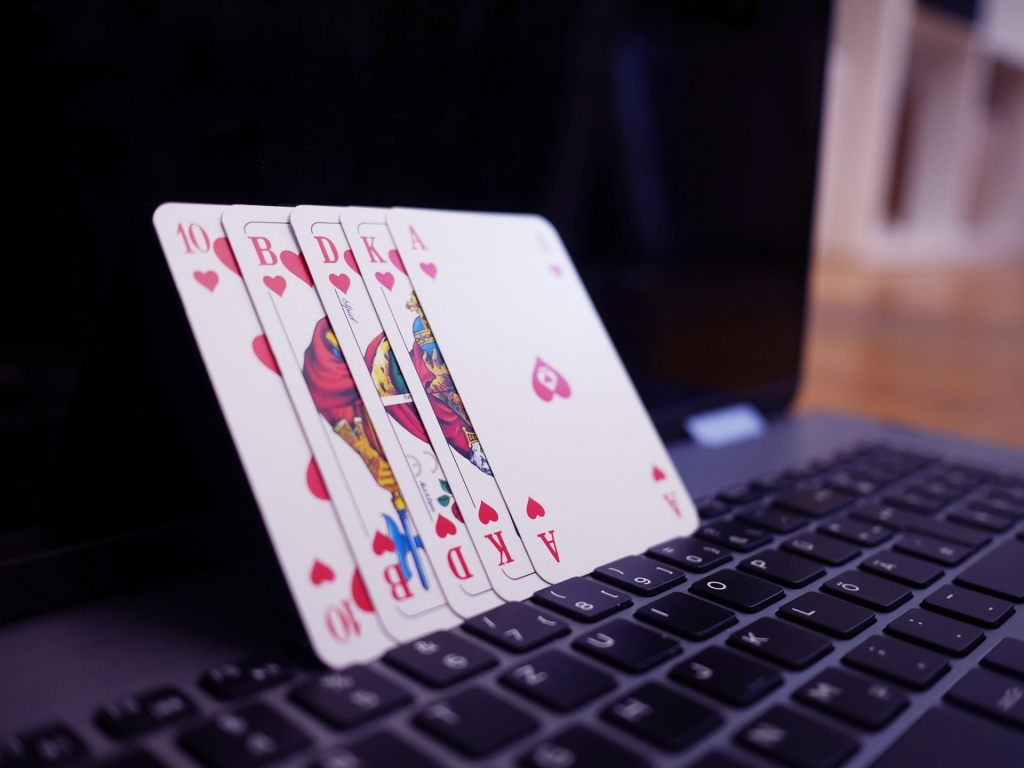How to open an online casino in the UK - EconoTimes